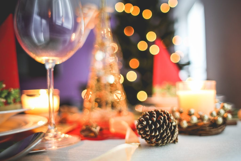 wine-pairings-festive-table