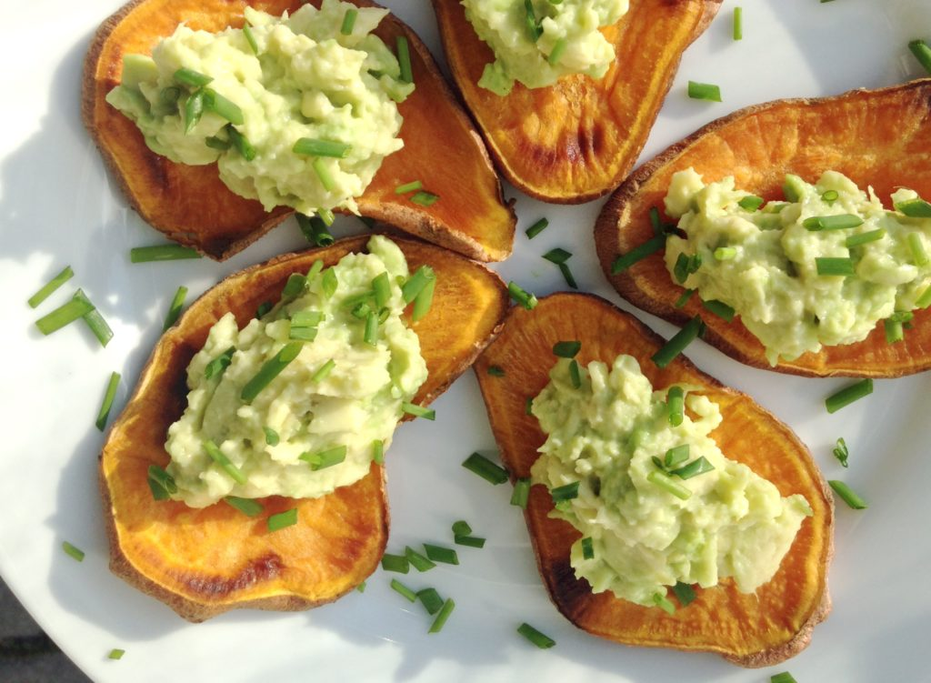 avocado-canapes